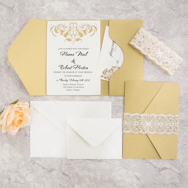 Goldene Pocket Fold Einladungen Mit Spitze Papier Banderole TPI014